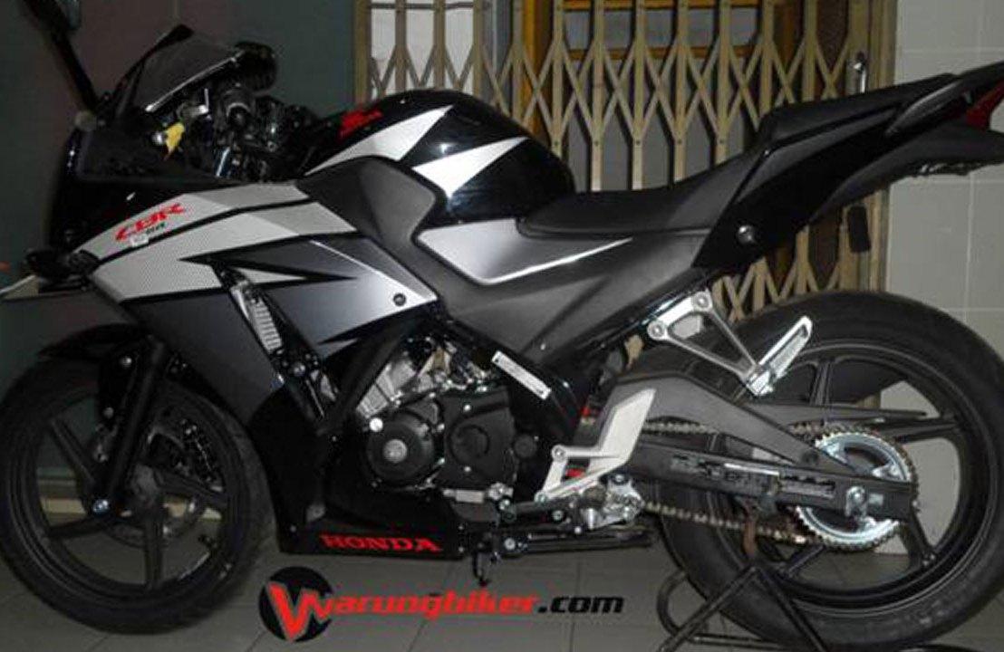 Tutorial Cara Melepas Spakbor Belakang Honda CBR 150Lama