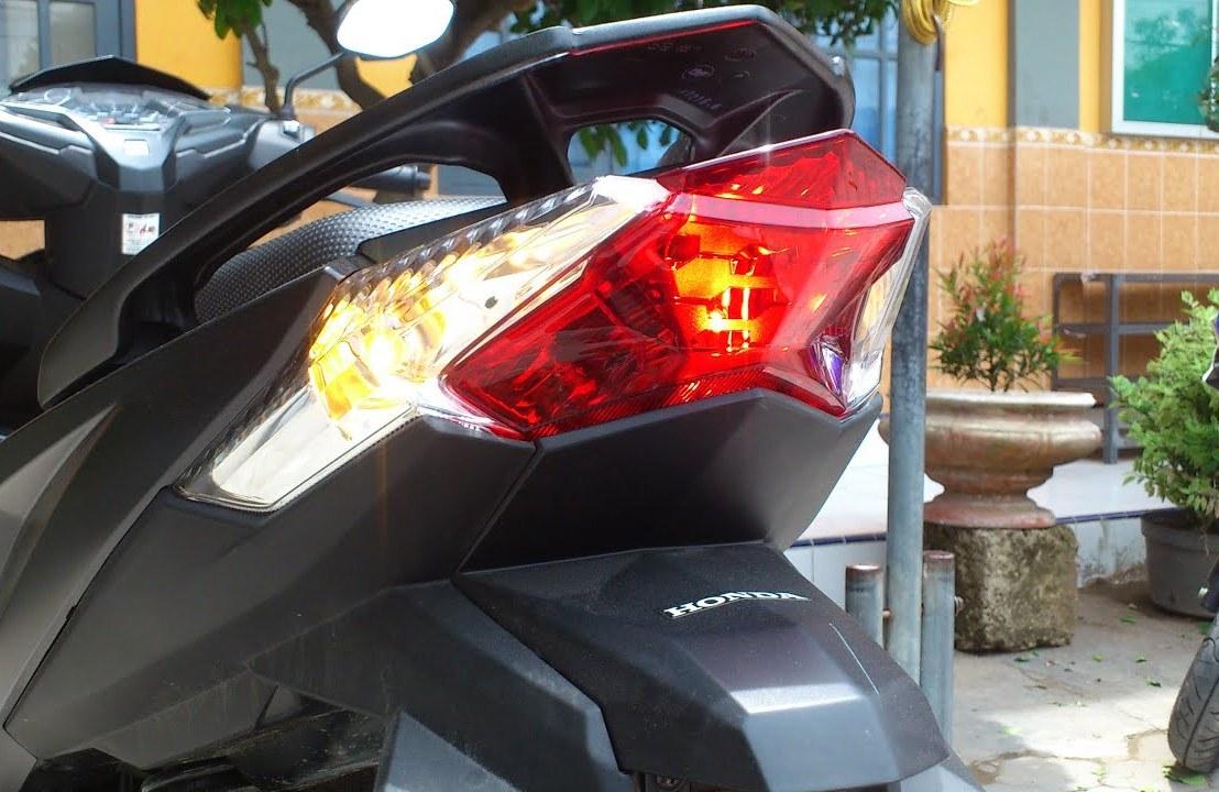 Cara Mengganti Lampu Rem Vario 150 atau Vario 125LED